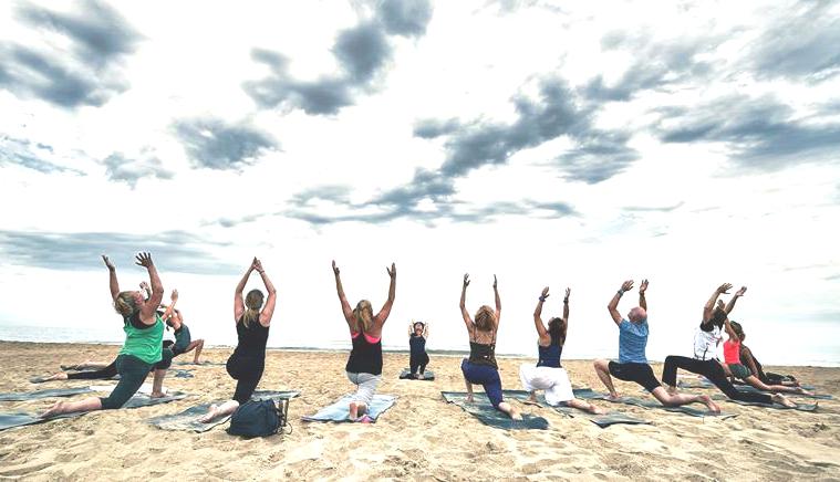 Buiten-Yoga seizoen